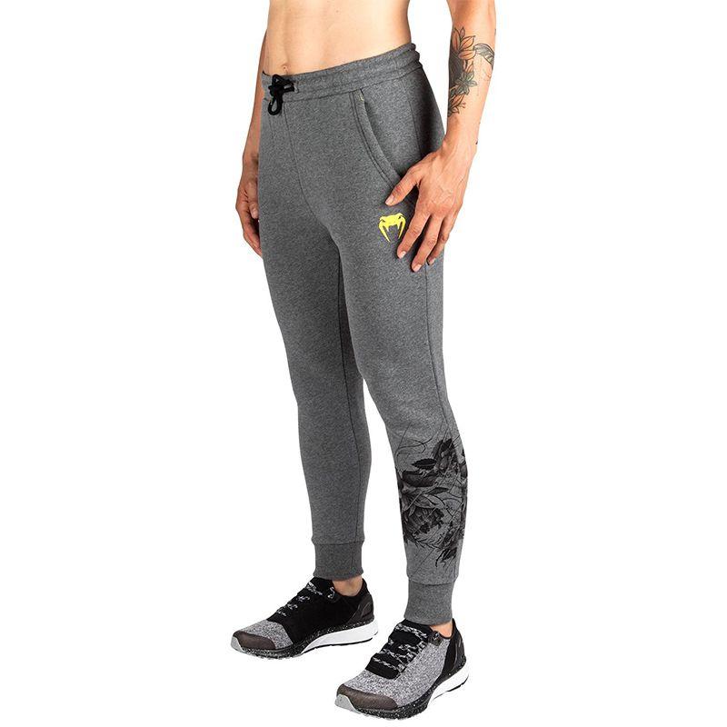 c765465fb55 Дамски Спортен Панталон VENUM Floral Joggings на супер цена —  SportRespect.com
